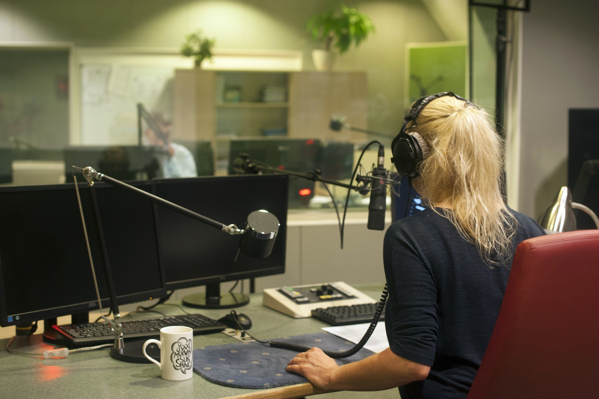 What Characterizes an Outstanding On-Air Broadcaster?